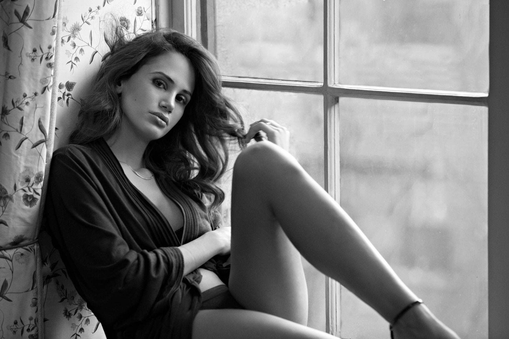 silvia Papadaki,beauty,lingerie,black and white photograph,heuberger_20141204_640_SG_MASTER